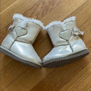 [Circo] Faux Fur Gold Shimmer Boots